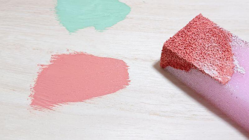 ダイソーのペンキ ミルクペイント 水性塗料 を全7色買ったよ 色見本と比較 おすすめレビュー 100均 Rooms19